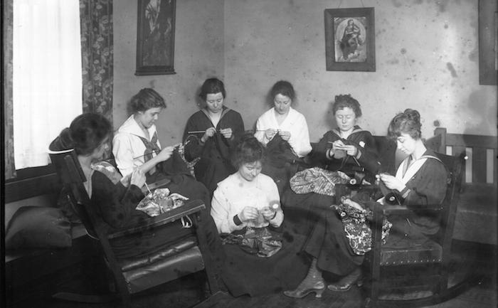 Ladies Knitting in 1918